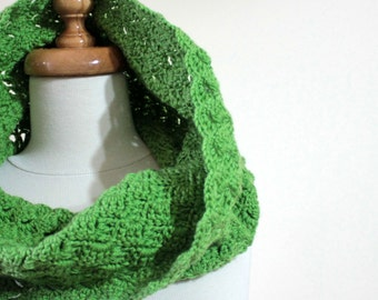 Green Cowl Winter Cowl Crochet Infinity Cowl Fall Scarf Fingerless / Gloves / Mittens Winter Wrap. Hand made Gift For Her
