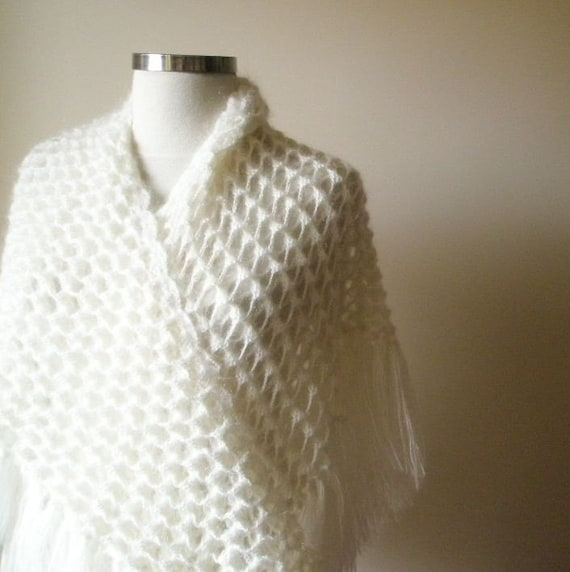 Shawl Romantic Ivory Crochet Shawl Triangle Wrap Scarf Stole fashion. READY TO SHIPPING