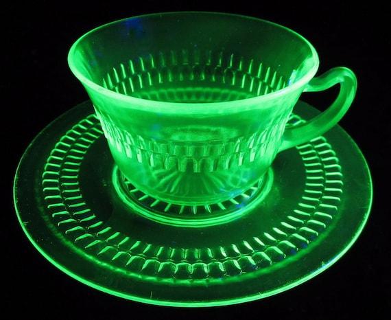 Vaseline Anchor Hocking ROULETTE WHEEL Green Tea Cup Saucer