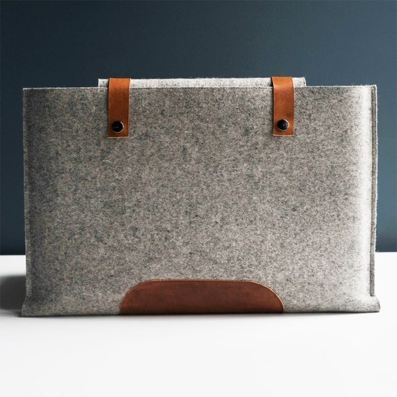 15 Inch Macbook Pro Sleeve - Grey Wool Felt with Brown Leather