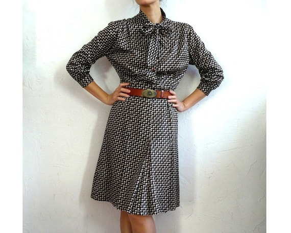 DIANE French Vintage Brown Graphic Print Secretary Dress