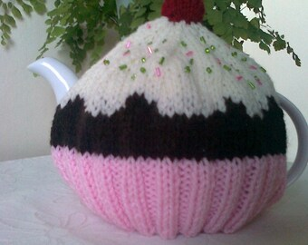 Cupcake Tea Cosy / Cozy - Fits a 4 cup pot