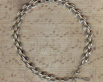 """Coro """"Gold Leaf"""" Choker Necklace"""