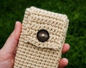 Beige Pod Pocket - A Crocheted Case for your iPod or iPhone