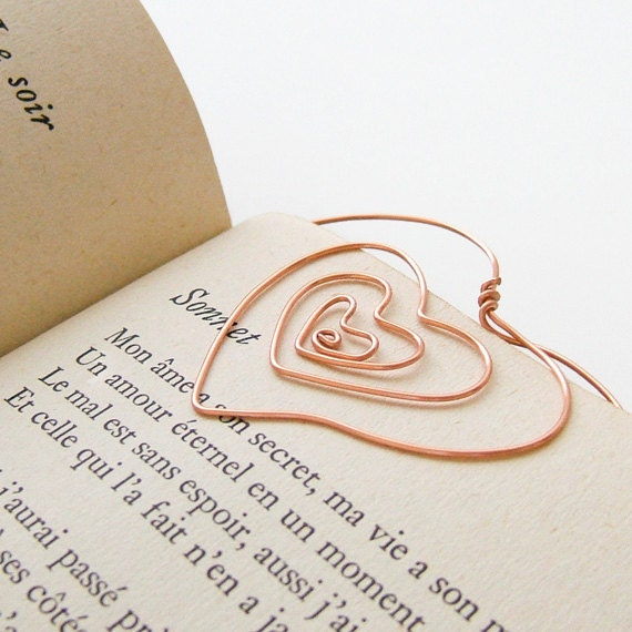 SALE Whimsical Heart Wire Bookmark, Silver, Gold, or Copper Wire, Heart Bookmark, Romantic Holiday Gift for the Book Lover, Stocking Stuffer