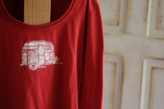 Medium Red and White Women's Organic Airstream T-Shirt