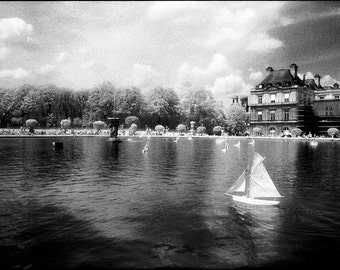 Sailing PHOTOGRAPH Print - Paris