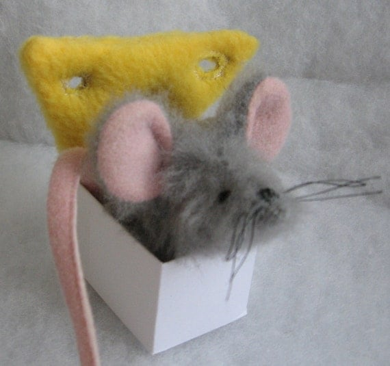 Catnip Mouse-Swiss the Catnip Boutique House Mouse