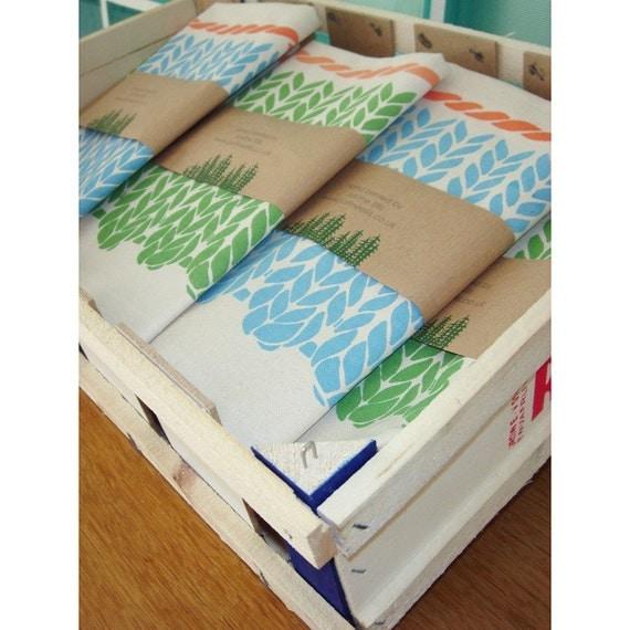 Tea Towel - Knitting Pattern (blue & coral)