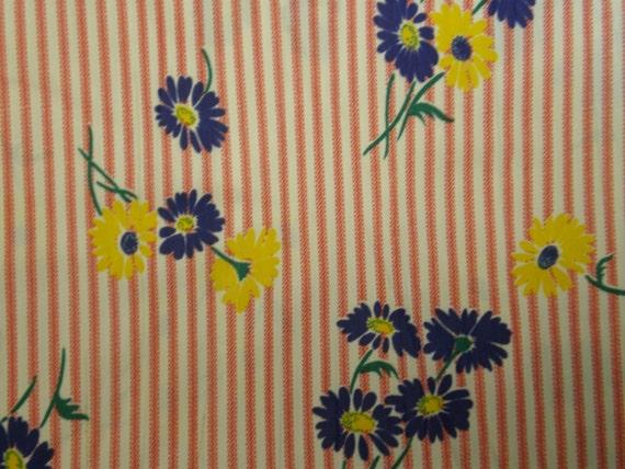 VTG 60s Dress Fabric, Happy Flower Daisy print on RedWhite stripes, Jersey Fabric, 1 yard