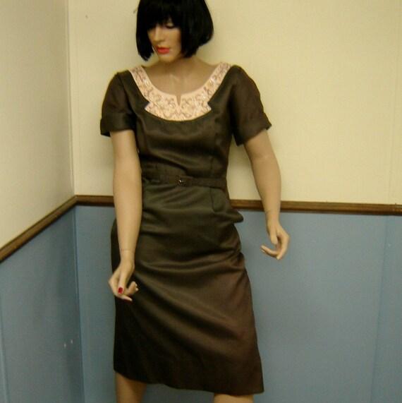 Plus Size Vintage 1960s Sateen Dress Size 14