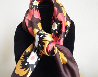 Fabulous mod scarf