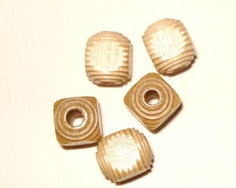 8mm Carved Cube Wood Beads, Carved Cube Wooden Beads (30) Natural