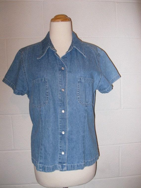 Vintage 80s Denim Shirt, Short Sleeve Top, Snap Front Shirt, Women's size medium