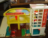 Fisher Price Vintage 930 Parking Garage with Brand New Lithos