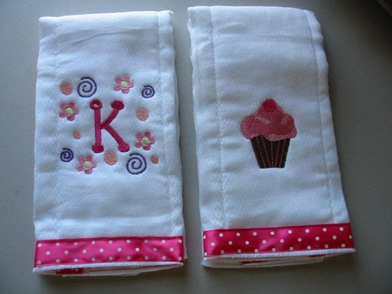 Initial and cupcake embroidered burp cloth set