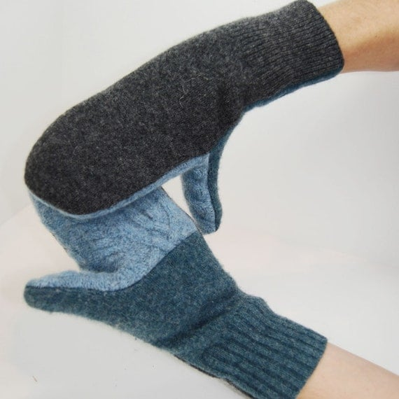 Mittens in Frosty Winter Day - Grey and Blue - Recycled Wool - Fleece Lined