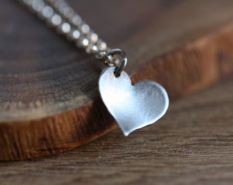Tiny simple heart necklace