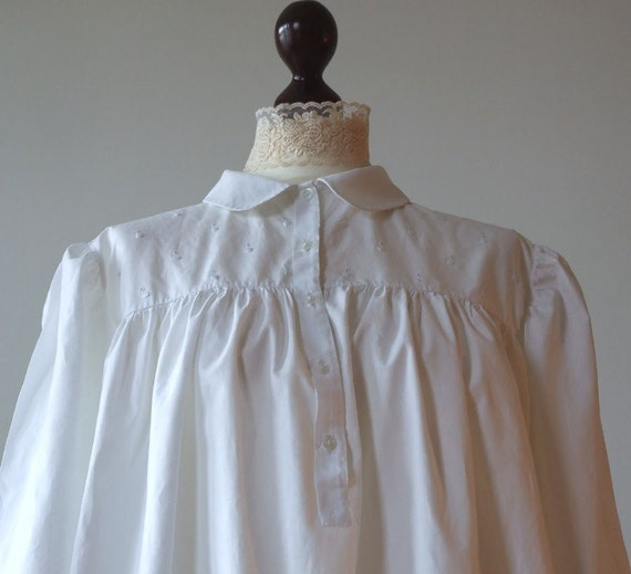 Pure white VINTAGE NIGHTGOWN found in SPAIN