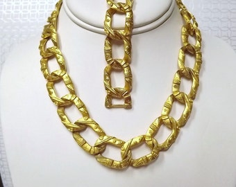 Bold Jewelry, Chain Link Necklace, Chain Link Bracelet, Statement Necklace, Bracelet Gold Textured 1960's Costume Jewelry