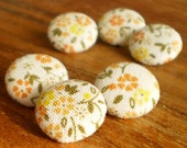 Fabric Buttons - Summertime Yellow Flowers - 6 Small Beige Yellow Orange Floral Fabric Covered Buttons, Handmade Buttons, Clothing Knitting