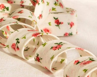 Bias Tape Binding - Little Red Roses - 4 Yards Handmade Red, Green and White Floral Cotton Fabric, Flowers for Sewing and Quilting