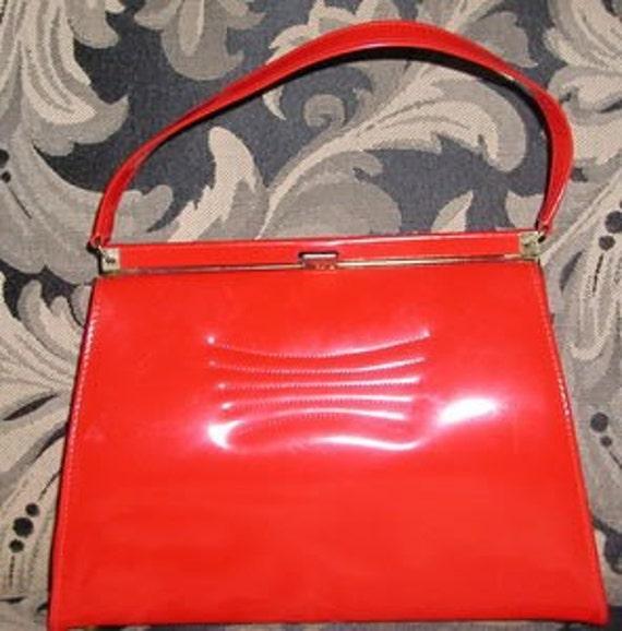 ReaLLy REd.......     Vintage Naturalizer Handbag