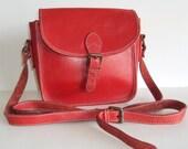 Red Vtg Leather Cross Body Saddle Bag
