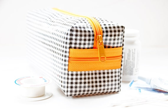 SALE Oilcloth Make Up Bag Cosmetic Case Gingham Small