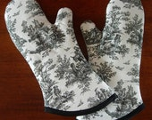 Oven Mitts | Black and White Toile | French country | Oven gloves | French provincial | Antique white | Oven mitten - Made to order