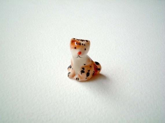 Miniature Brown and White Ceramic Kitten / Cat, tiny animal, mini animal, miniature ceramic, tiny ceramic, mini cat, tiny kitten, ornament