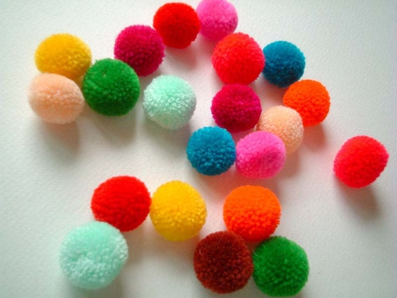 Yarn Pom poms, pompom, party pom poms, colorful, red, yellow, pink, green, blue, purple, orange, rainbow, 50 poms, handmade, candy, iammie