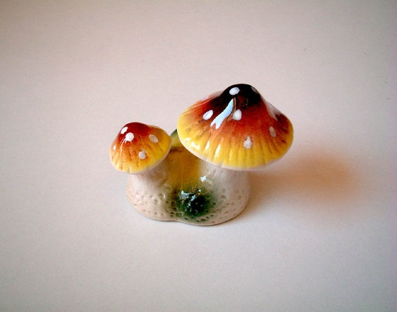 Ceramic Mushroom, Alice in Wonderland, Brown and Yellow, garden decor, decoration, small, tiny, miniature ceramic, iammie