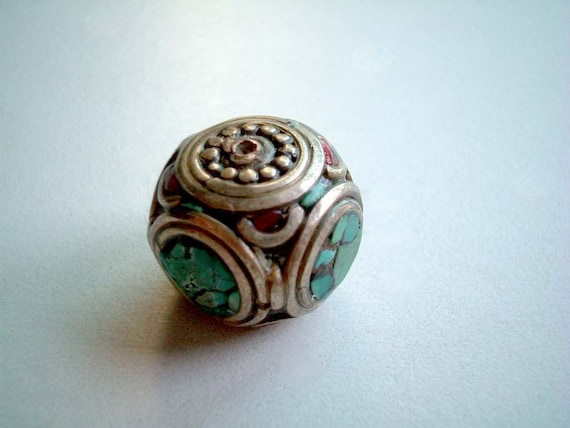 Nepal Bead, cube, dice, silver, metallic, metal, blue, red, tribe, rare, tribal, native, decoration, mini, miniature, button, SALE, iammie