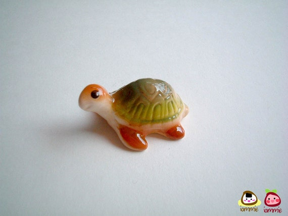 Mini Turtle Figure, Brown and Green, Ceramic figure, ceramic turtle, miniature turtle, tiny animal, tortoise, tiny, small, iammie