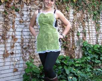 Green recycled/upcycled Vintage tablecloth apron with white lace Handmade
