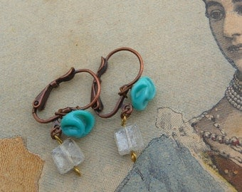 Petit cadeau Glass beads and glass paste turquoise flower earrings