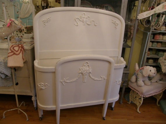 antique chic bed frame white shabby twin curved distressed cottage prairie romantic