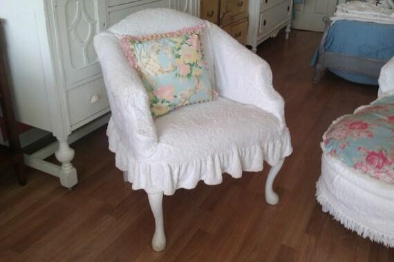 vintage chiar shabby white chic slipcover chenille bedspread roses ruffle prairie cottage boudoir