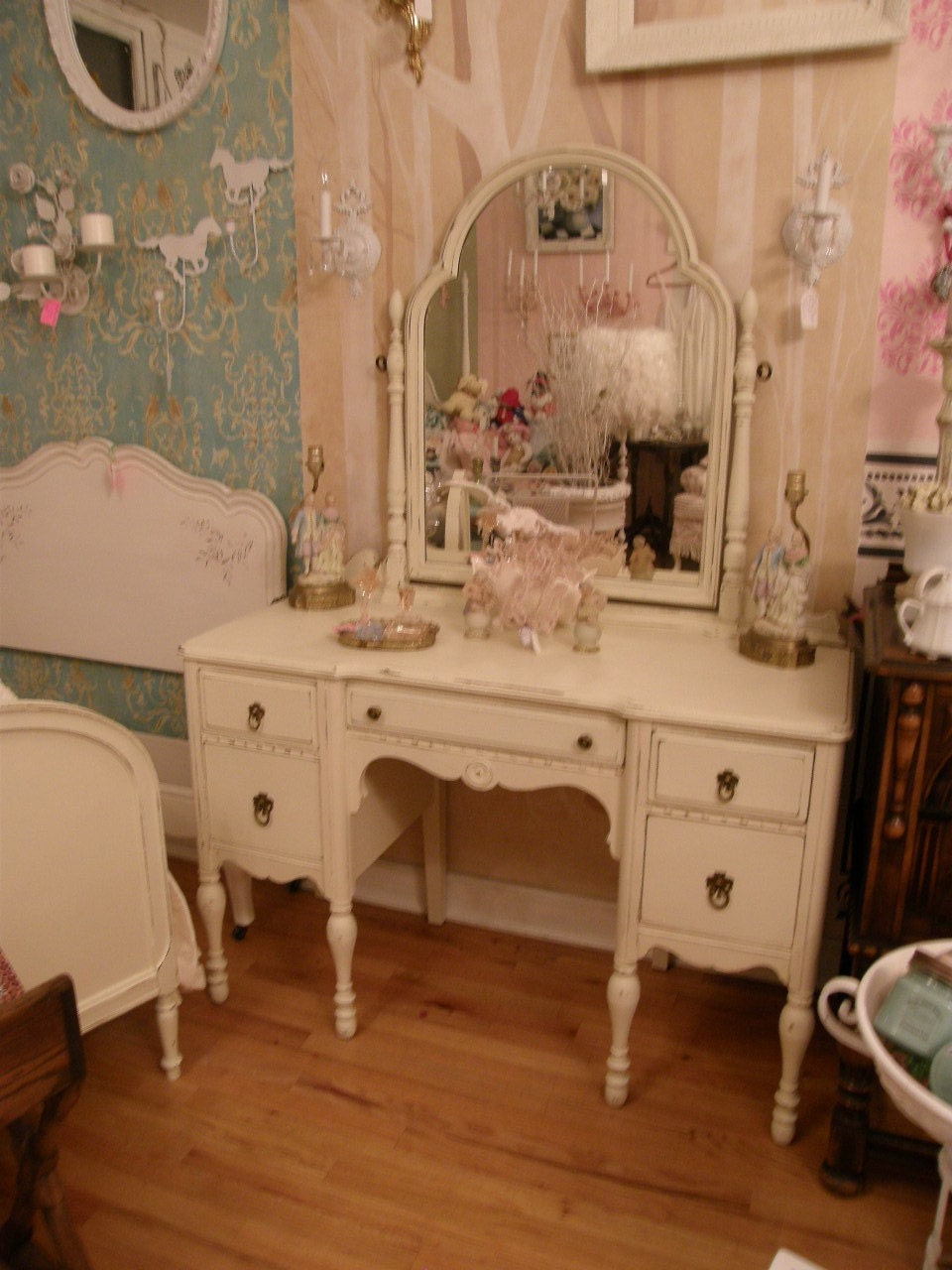 antique vanity shabby chic make up dressing table ivory. Black Bedroom Furniture Sets. Home Design Ideas