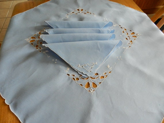 SALE Vintage Small Tablecloth  Napkins