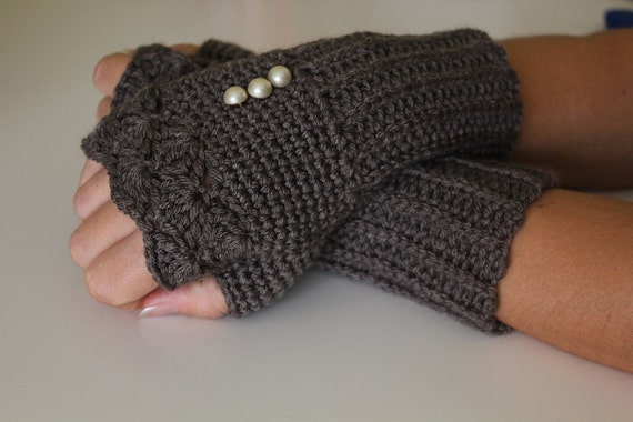 Reserved for Kristiaan Smoky Grey Knit Fingerles Gloves