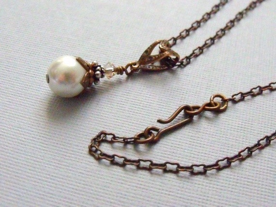 White Pearl Necklace, Vintage Style Wedding Jewelry, Single Drop Pearl Necklace, Antique Brass Necklace, Bridesmaids Jewelry