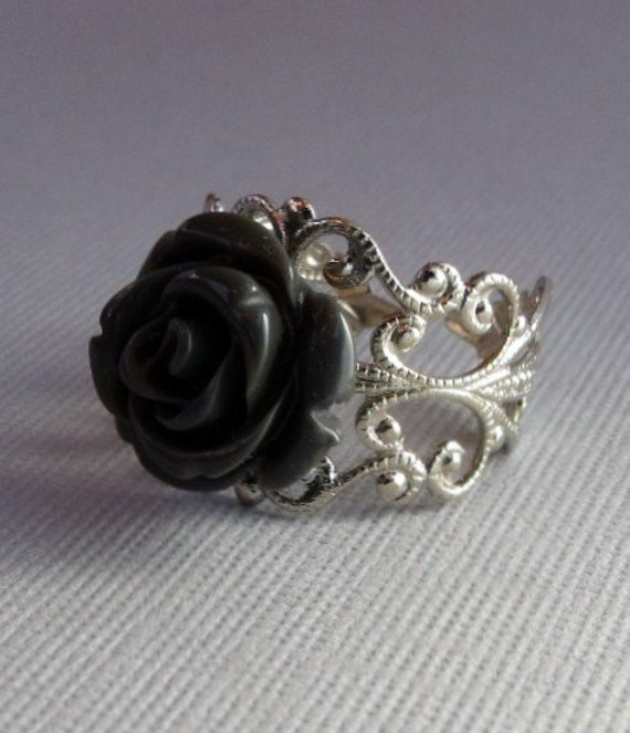Vintage Gray Rose With Silver Band Ring