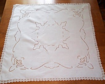 SALE NEW PRICE White cutwork luncheon cloth and 4 napkins