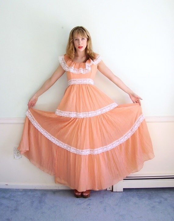 Georgia Peach 60s Vintage Peachy Tiered Gauze and Lace Maxi PROM Dress SMALL