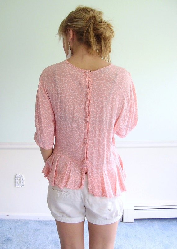Confetti Popper Vintage 80s Slouchy Pink Printed Back Buttoned Peplum Blouse M/L