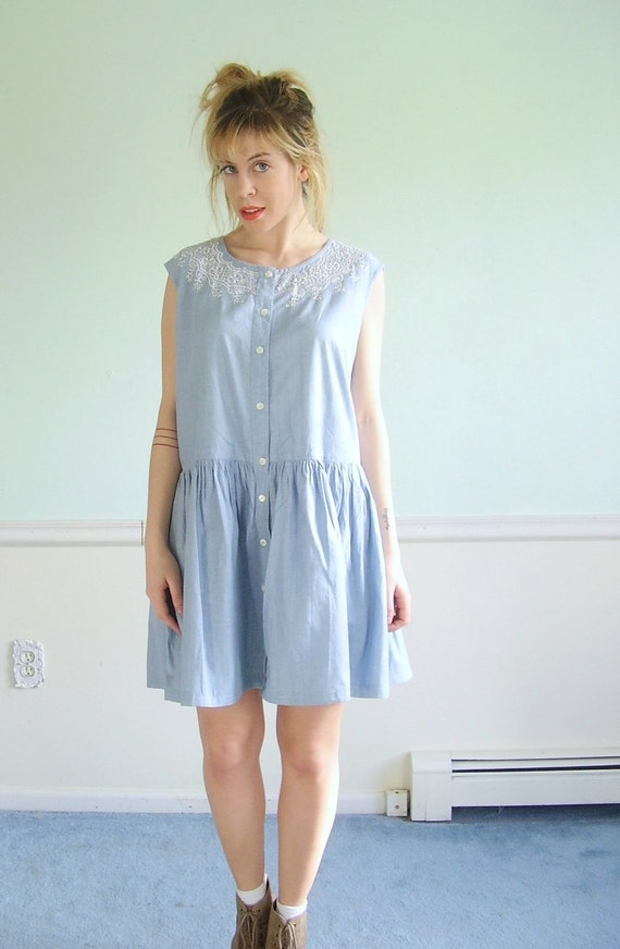 Chambray Embroidered Vintage Early 90s Sleeveless Cotton Mini Dress M L