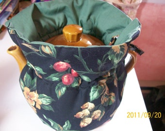 Tea Pot Cozy Reversable, Insulated - Nuts and Berry Print