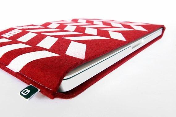 """70% OFF CLEARANCE SALE: 13"""" Macbook/MacBook Air sleeve - Original hand printed herringbone design on red wool felt"""